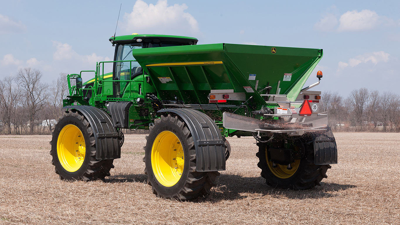 DN456 New Leader Dry Spinner Spreader