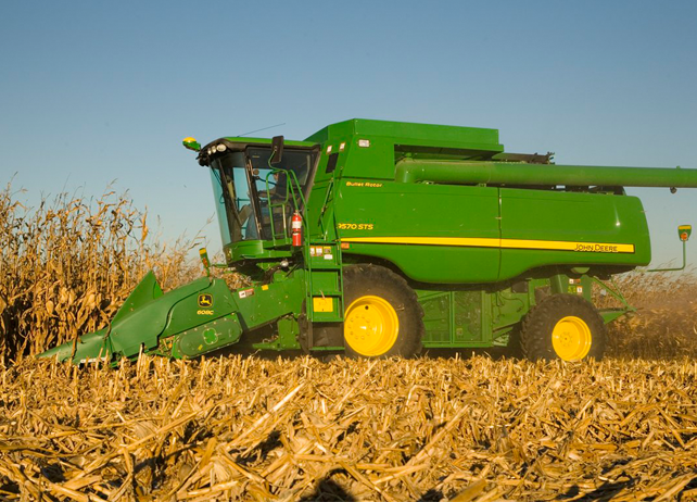 608C StalkMaster™ Corn Head